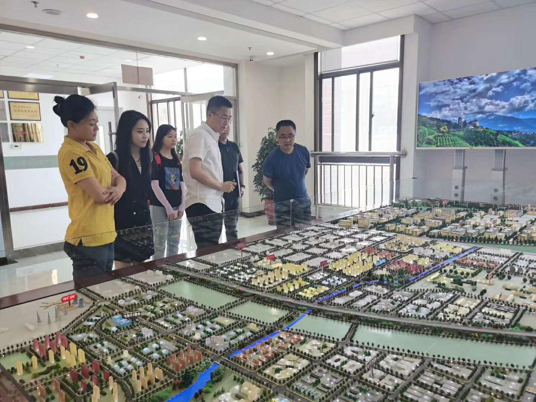 财信融资租赁西安高新分公司走进西户高新区推介业务