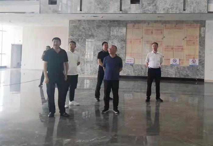 周汉林检查安康财富中心安全和施工管理工作